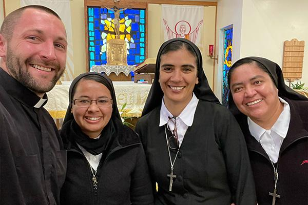 sisters-bring-mother's-touch-to-batesville,-newport-–-arkansas-catholic